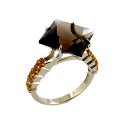 Кольцо из золота с раух-топазом и цитринами