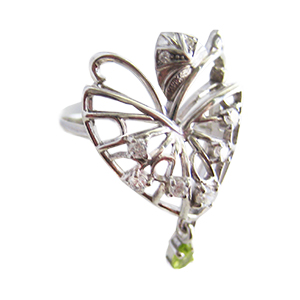 Кольцо из серебра с хризолитом и фианитами