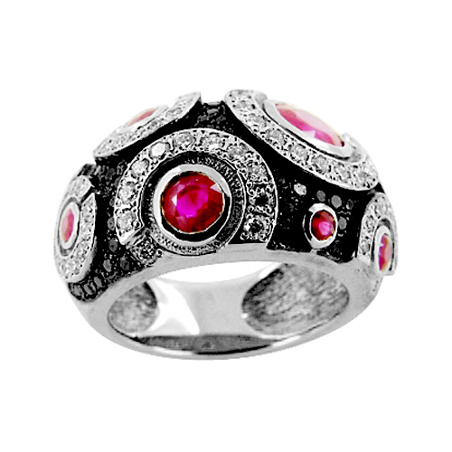 Кольцо из белого золота с белыми и черными бриллиантами и рубинами
