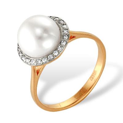 Золотое кольцо с белым жемчугом и белыми фианитами