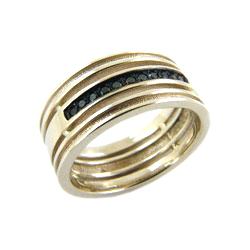 Кольцо из белого золота с черными бриллиантами