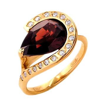 Кольцо из золота с гранатом и фианитами