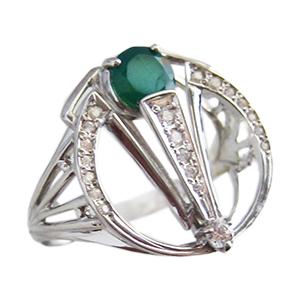 Кольцо из серебра с зеленым агатом и фианитами