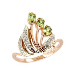 Золотое кольцо с хризолитами и фианитами