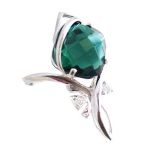 Кольцо из серебра с зеленым кварцем и фианитами