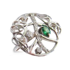 Кольцо из серебра с зеленым и белыми фианитами